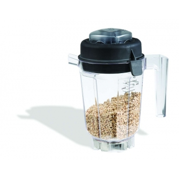 Vitamix container with dry cutting blade
